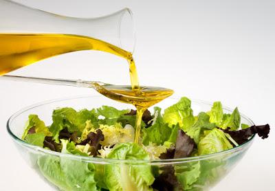 ensalada verde con aceite de oliva